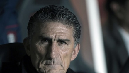 (FILES) This file photo taken on July 23, 2014 shows Argentina's San Lorenzo coach Edgardo Bauza during the Libertadores Cup semifinal first leg football match against Bolivia's Bolivar at Pedro Bidegain stadium in Buenos Aires, on July 23, 2014. Bauza on August 1, 2016 was appointed new coach of Argentina. / AFP PHOTO / JUAN MABROMATA