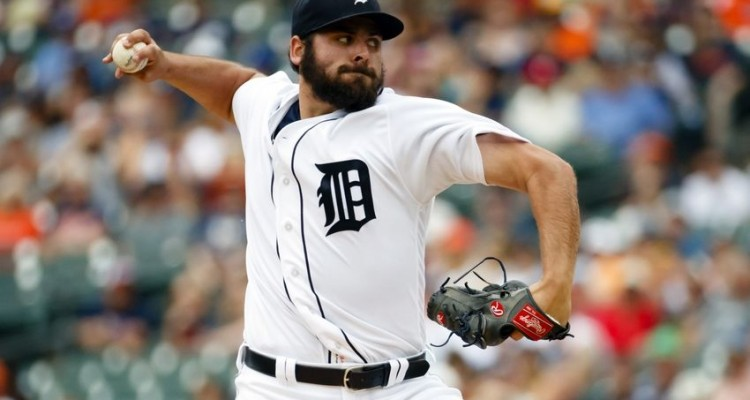 Jul 17, 2016; Detroit, MI, USA; Detroit Tigers starting pitcher Michael Fulmer (32) pitches in the first inning against the Kansas City Royals at Comerica Park. Mandatory Credit: Rick Osentoski-USA TODAY Sports