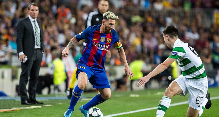 Messi of FC Barcelona and Tierney of Celtic during the UEFA Champions League match at Camp Nou, Barcelona Picture by Luis Tato/Focus Images Ltd (+34) 661 459 33 13/09/2016