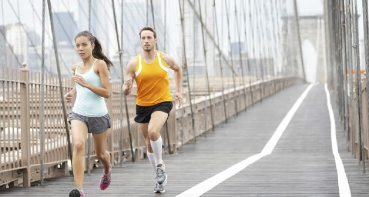 correr-puente-hombre-mujer_thumb_e